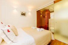 Apartment in Lisbon - L4.2 - BAIRRO ALTO CHARMING 1 BEDROOM APARTMENT