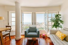 Apartment in Lisbon - T2  GRACA RIVER VIEW WITH PARKING ELEVATOR