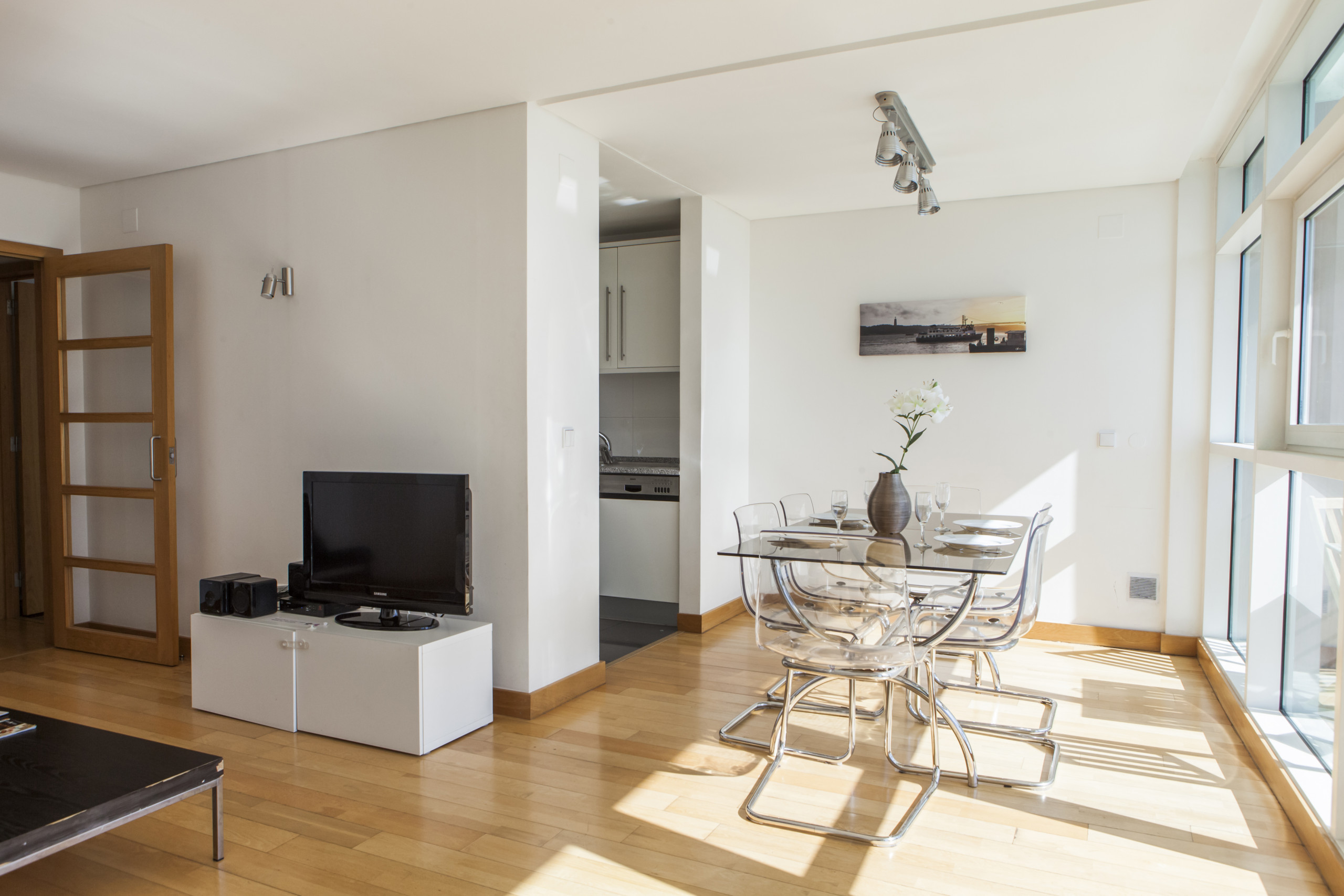 RENT4REST LISBON EXPO APARTMENT 17TH FLOOR RIVER VIEW ...
