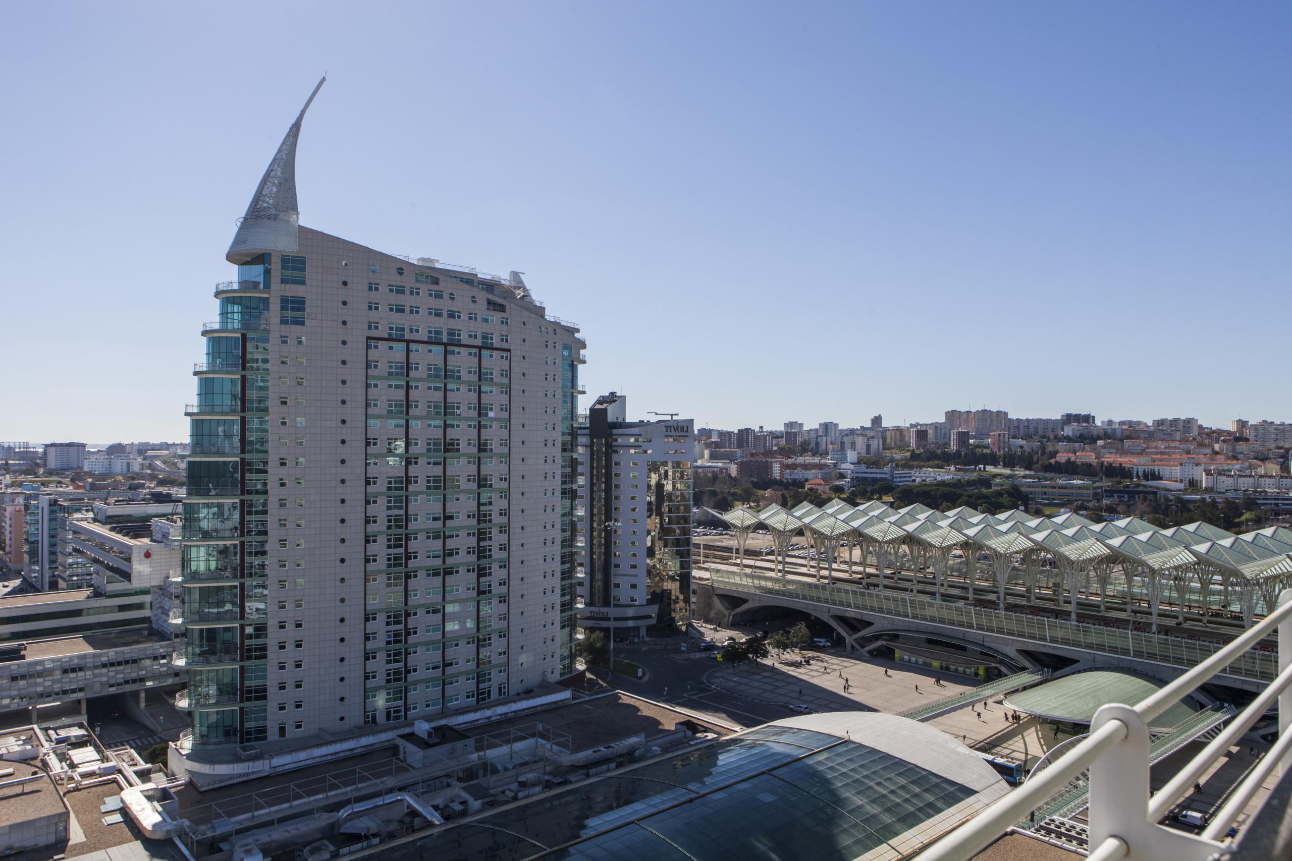 RENT4REST LISBON EXPO APARTMENT 17TH FLOOR RIVER VIEW ...